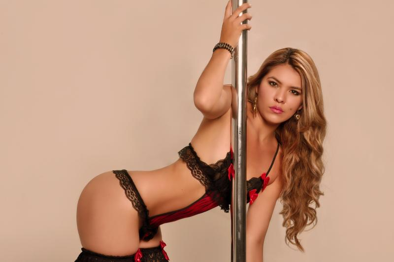 LisaDaniels Love pole dancing! custom pic 1