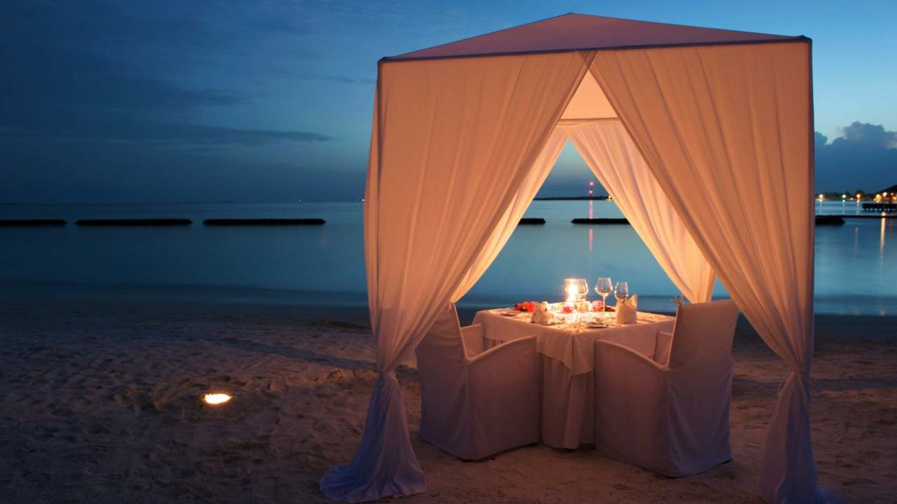 ALESWEET My Ideal Date custom pic 1