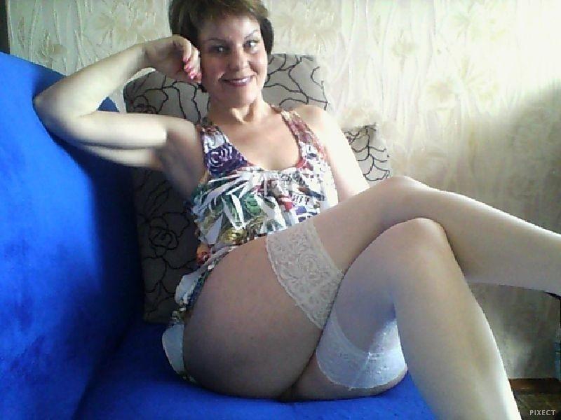 лет деревенские зрелые женщины в белых трусах фото знал куда