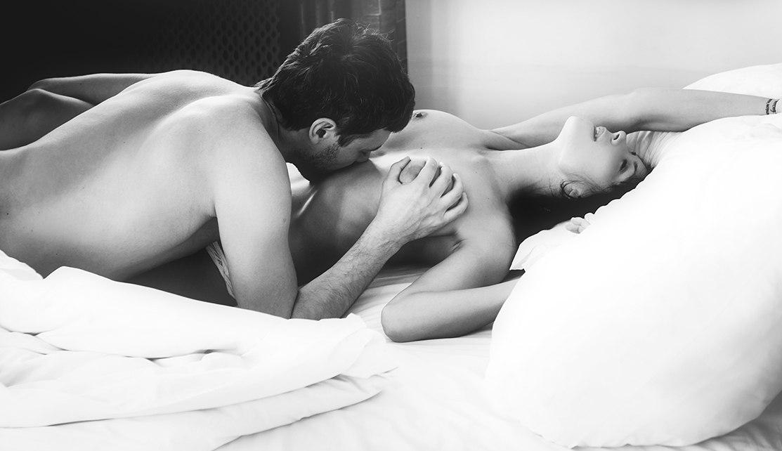 картинки голые девушки и голые мужчины целуются