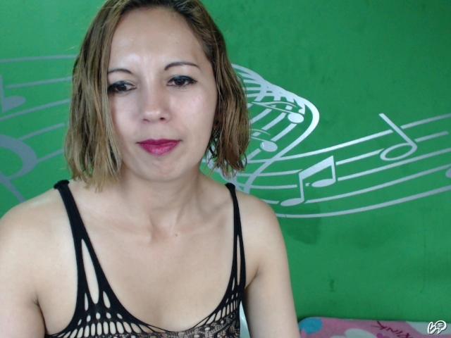 Sunny Leone prvý análny sex bigblack sex com